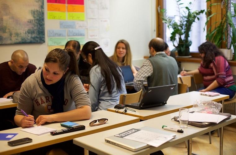 Último dia de inscrição para jovens e adultos que desejam retomar estudos