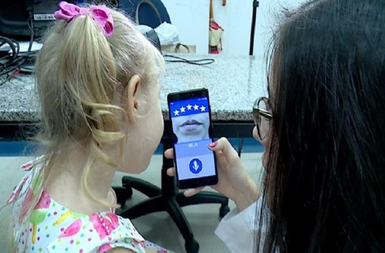 Universidade desenvolve aplicativo para ajudar crianças com Down