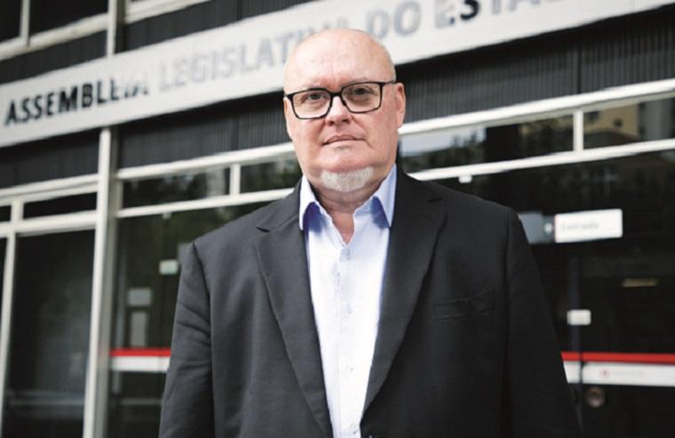 Entrevista João Henrique Faria - Nas redes sociais 'o eleitor engajado é mais que um eleitor: é um cabo eleitoral fortíssimo'