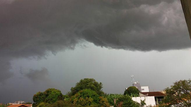 Previsão de chuva moderada no final de semana e clima mais ameno