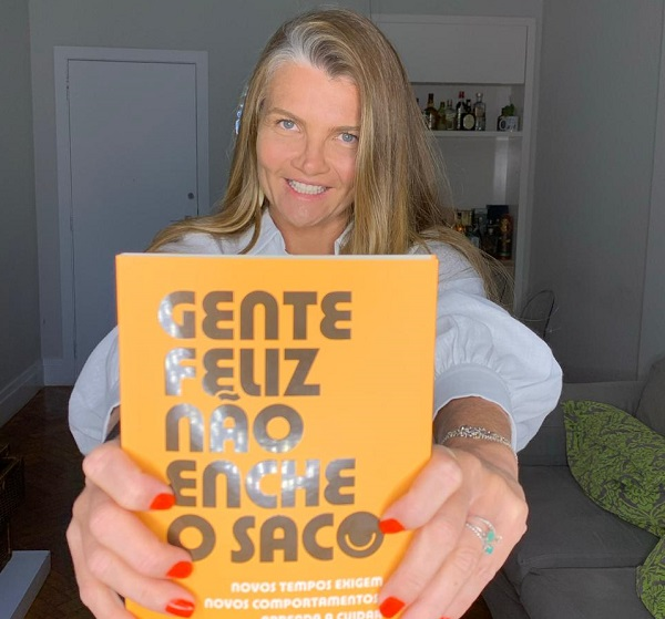 Livro traz lições da sete-lagoana que se tornou executiva de sucesso no Brasil
