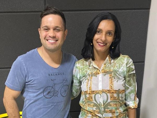 Juninho com a contadora Cláudia Andrade