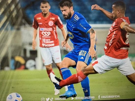Em Natal, o futebol do Cruzeiro ficou em Belo Horizonte, mas valeu pelo R$ 1,7 milhão da classificação