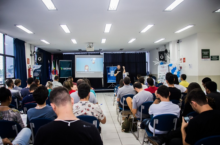 Seminário de Marketing Digital trouxe grandes nomes do mercado