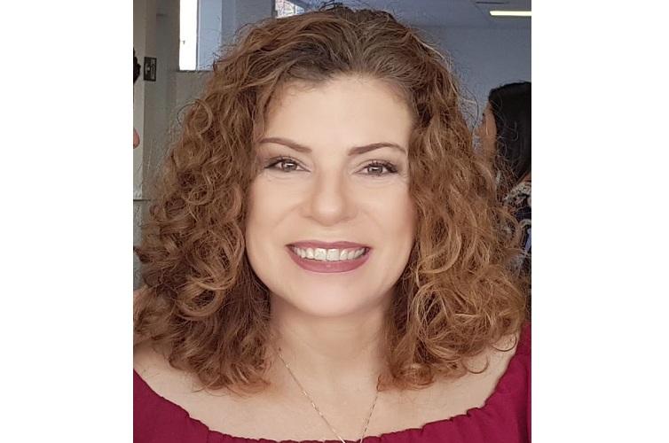 Simone Araújo - Idiomas e 'podcasts'. Qual a relação?