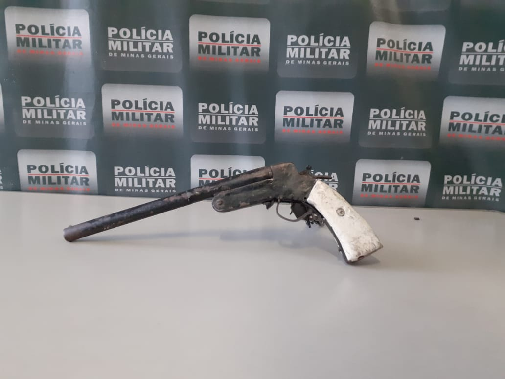 No Itapoã, mulher ameaça parentes e acaba presa com arma de fogo