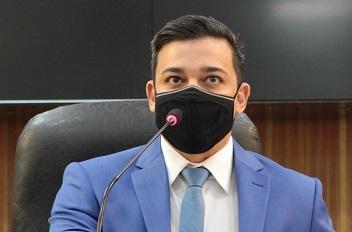 Vereador Júnior Sousa defende academias como atividade essencial