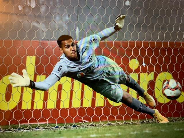 De Governador Valadares, o goleiro Matheus Mendes em foto do Pedro Souza/Atlético