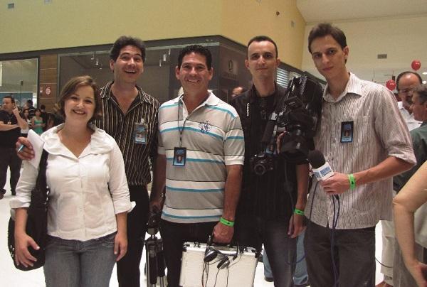 Ecos do Passado: equipe da TV Capucci na inauguração do Shopping Sete Lagoas
