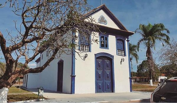 Através do mandato do deputado Douglas Melo, igreja histórica de Jequitibá é reinaugurada