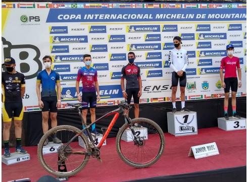 Equipe Sete Bike faz bonito na Copa Internacional de MTB em Carandaí