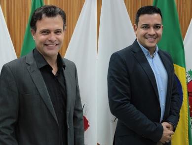 Os vereadores Janderson Avelar e Junior Sousa, ambos do MDB